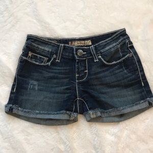 Buckle Madison size 24 stretch jean short